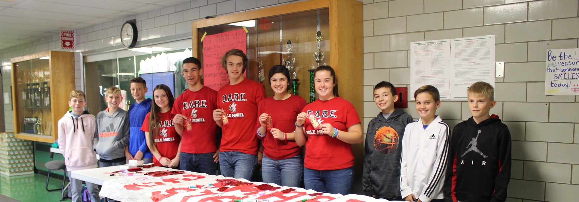 High School SADD Members and DARE Role Models Visit Highland Middle During Red Ribbon Week